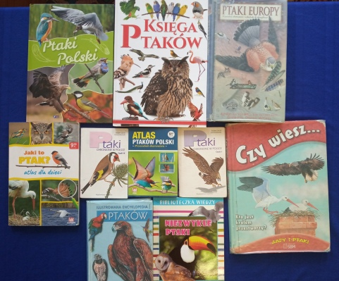 Różne książki o ptakach